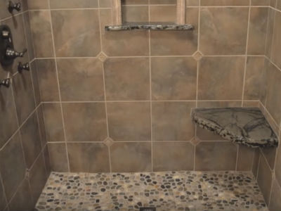curb-less-shower-with-seat-400x300