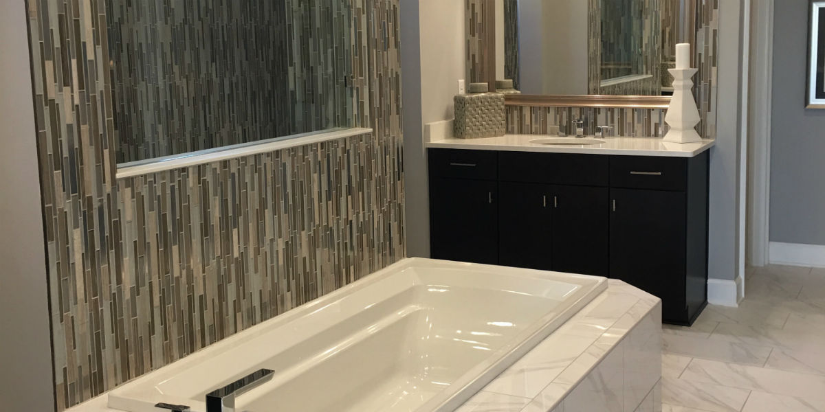 owners-ensuite-bathroom-with-large-tub